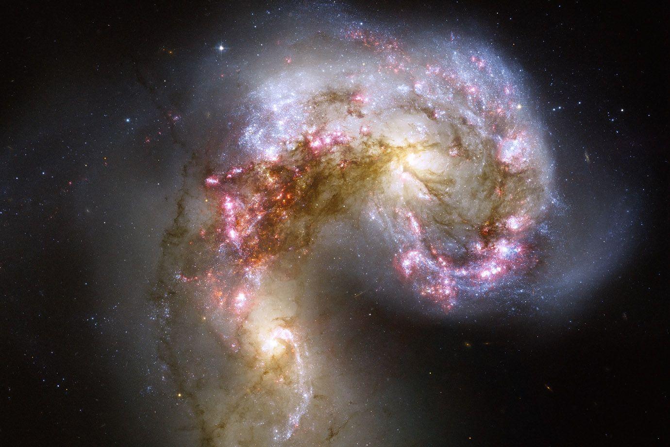 Galaxien ngc 4038 und ngc 4039 antennen galaxien